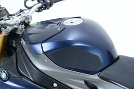 R&G Tank Traction Grips for BMW S1000R '14-