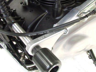 R&G Crash Protectors - Classic Style - Triumph Thruxton '04-, Bonneville '06-, Scrambler '06-